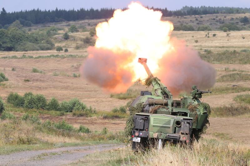 Bojová rychlost střelby při automatickém nabíjení jsou 4 výstřely z minitu