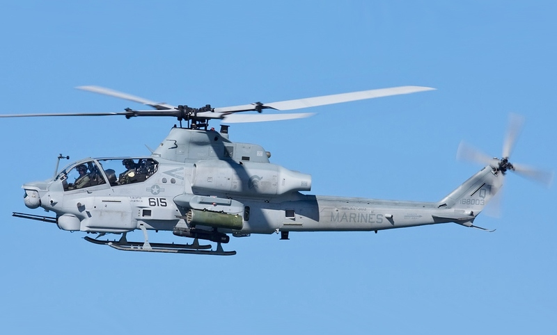 Bell_USMC_AH-1_Viper_(cropped)