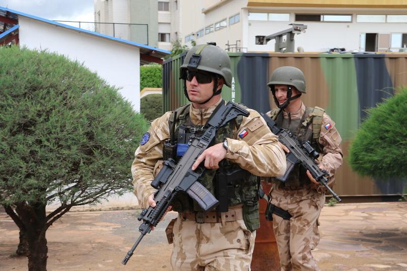 Vojáci devátého úkolového uskupení mise EUTM